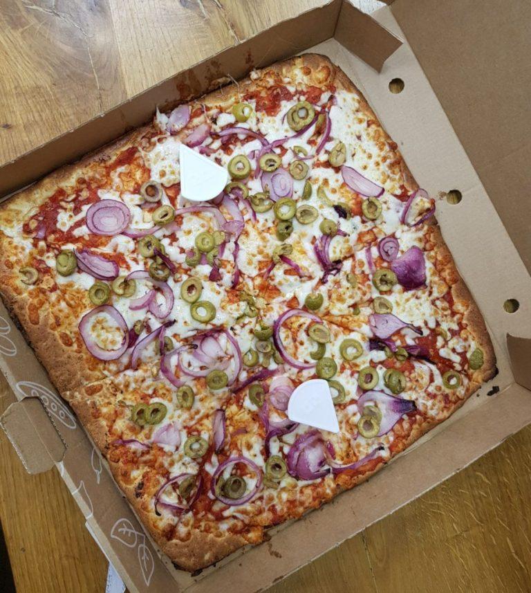 פיצה ללא גלוטן. דומינוס פיצה