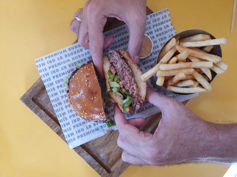 המבורגר ממפיס ללא גלוטן. צילום: דביר בר