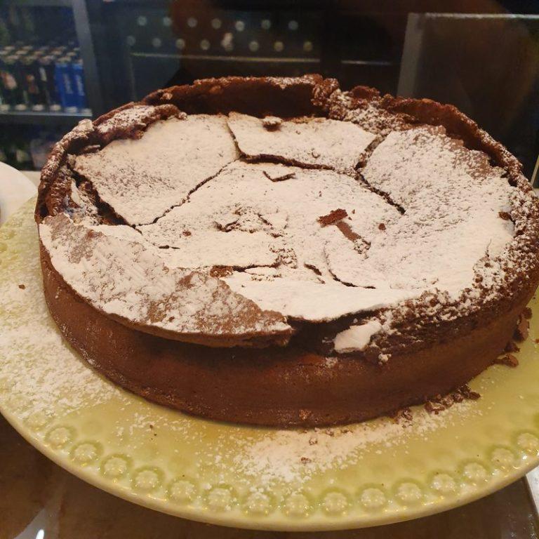 עוגת רעידת אדמה. שוק טיים אאוט ליסבון. צילום: דביר בר